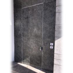 דלת מעוצבת במישור הקיר קו 0 – דגם 199115