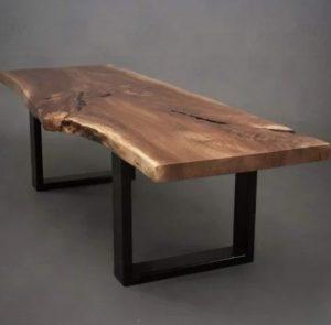 רגלי ברזל לשולחן