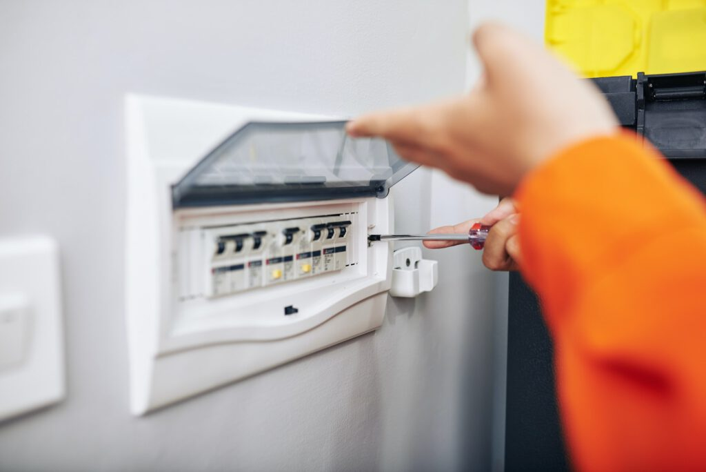 Installing electric meter